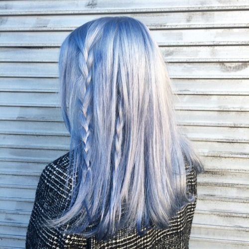 30 Best Silver Blue Hair Options To Make A Statement
