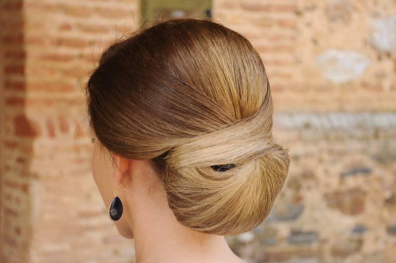 12 Phenomenal Wedding Bun Hairstyles To Try This Season