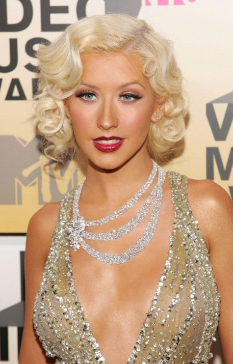 Platinum Blonde wavy hairstyle for women